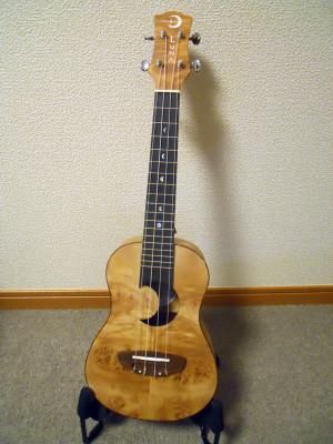 Luna_ukulele